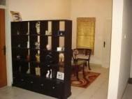 Partisi minimalis bookcase